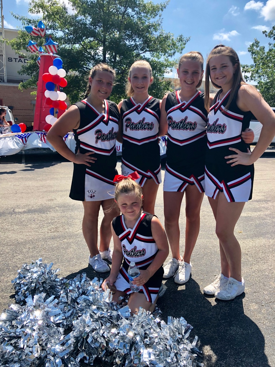 4th of July Parade 2018 - cheerleaders
